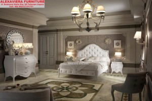 Set Tempat Tidur Mewah Klasik Pengantin Muda SKT-035