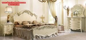 Set Tempat Tidur Duco Pengantin Mewah Ukiran Model Eropa Klasik SKT-085